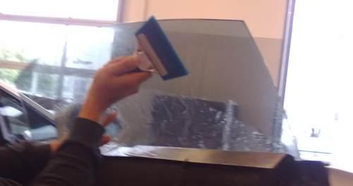 7 vantaggi oscuramento vetri auto vetri fume www - Pellicole oscuranti per vetri casa ...